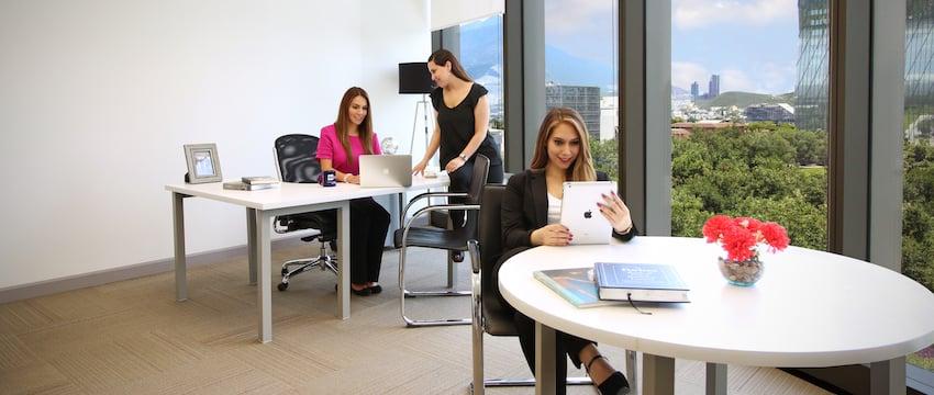 oficina con servicios incluidos
