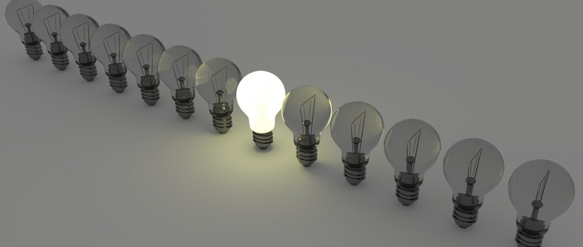 light-bulbs-1125016-1280